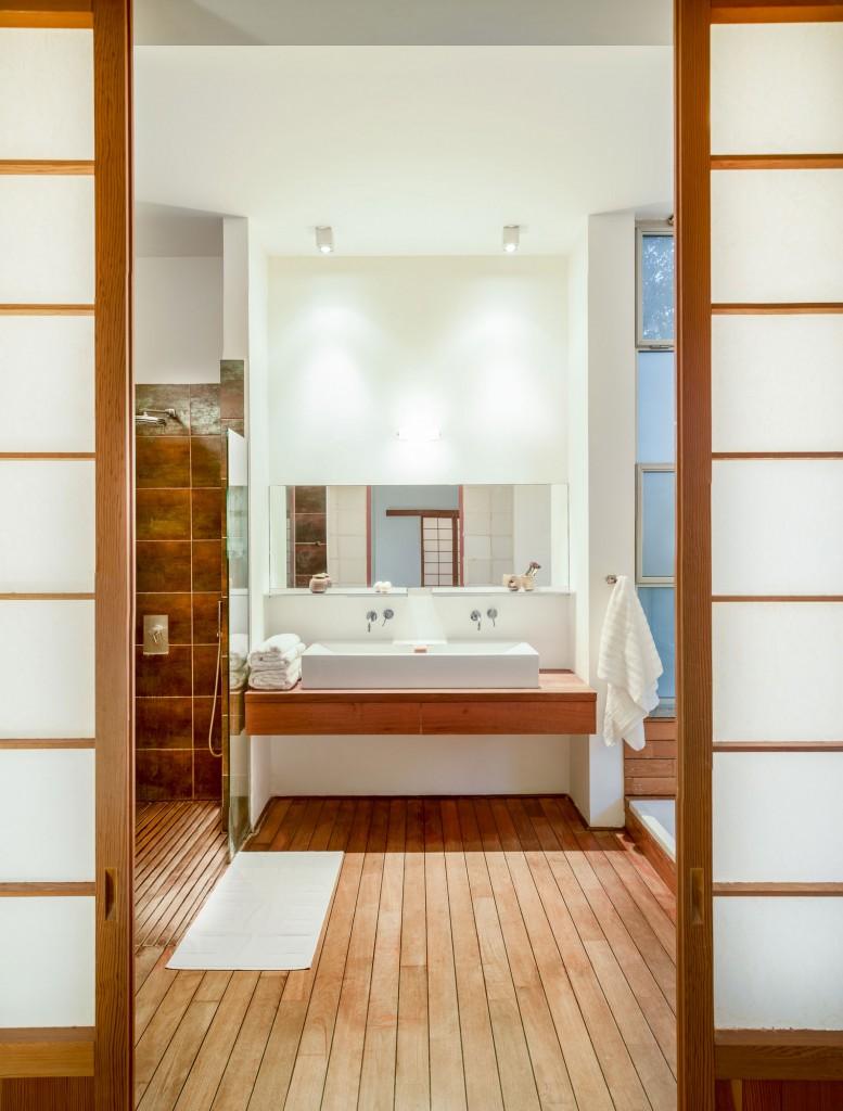 שילוב מחיצות יפניות בחדר רחצה